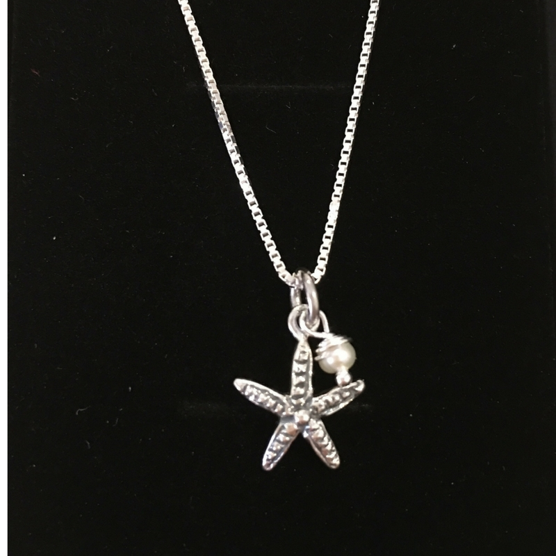 Sea inspired - starfish and pearl necklace